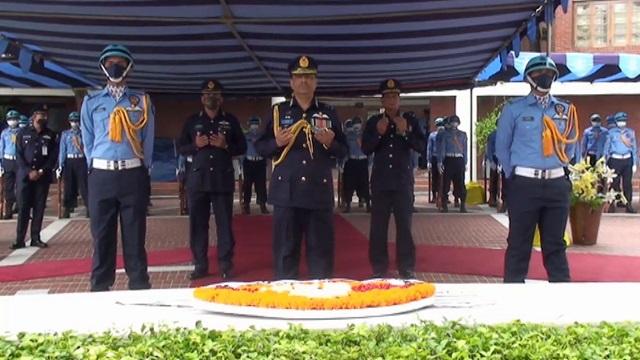 টুঙ্গিপাড়ায় বঙ্গবন্ধুর সমাধিতে বিমান বাহিনীর নব নিযুক্ত প্রধানের শ্রদ্ধা