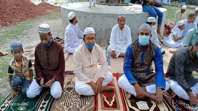 পার্বতীপুর ও চিরিরবন্দরে মসজিদে ঈদের জামাত অনুষ্ঠিত