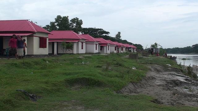 গোপালগঞ্জে ৮০৭টি গৃহহীন পরিবার পাচ্ছে প্রধানমন্ত্রীর উপহার ঘর